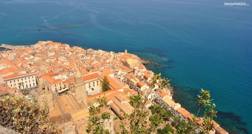 Panorama di Cefalù dall'alto della Rocca